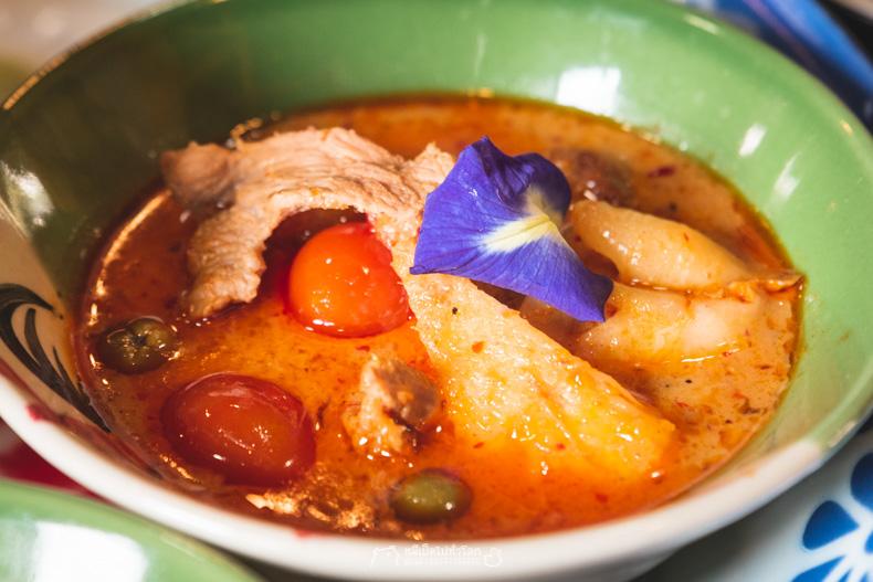รีวิว กิน เที่ยว ร้านอาหาร หมีเป็ด รสเสน่ห์ มิชลินสตาร์ ข้าวแกง อาหารไทย กรุงเทพ ถูก ประหยัด