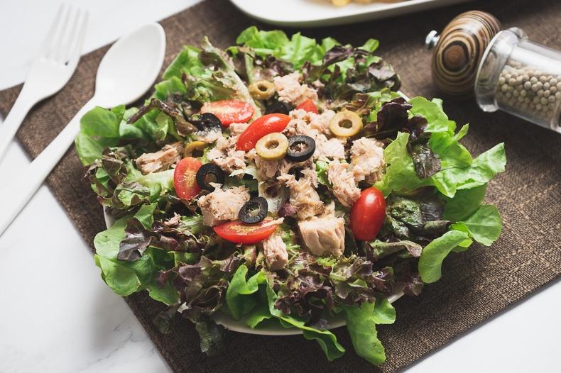 ทูน่าสลัด (Tuna Salad)
