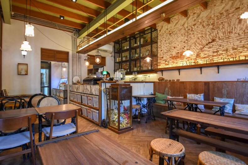 Farm to Table Hideout