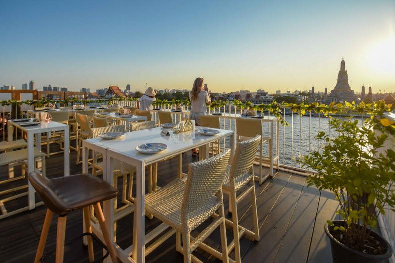View Arun - Rooftop Restaurant & Bar